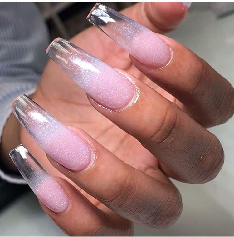 R l nails