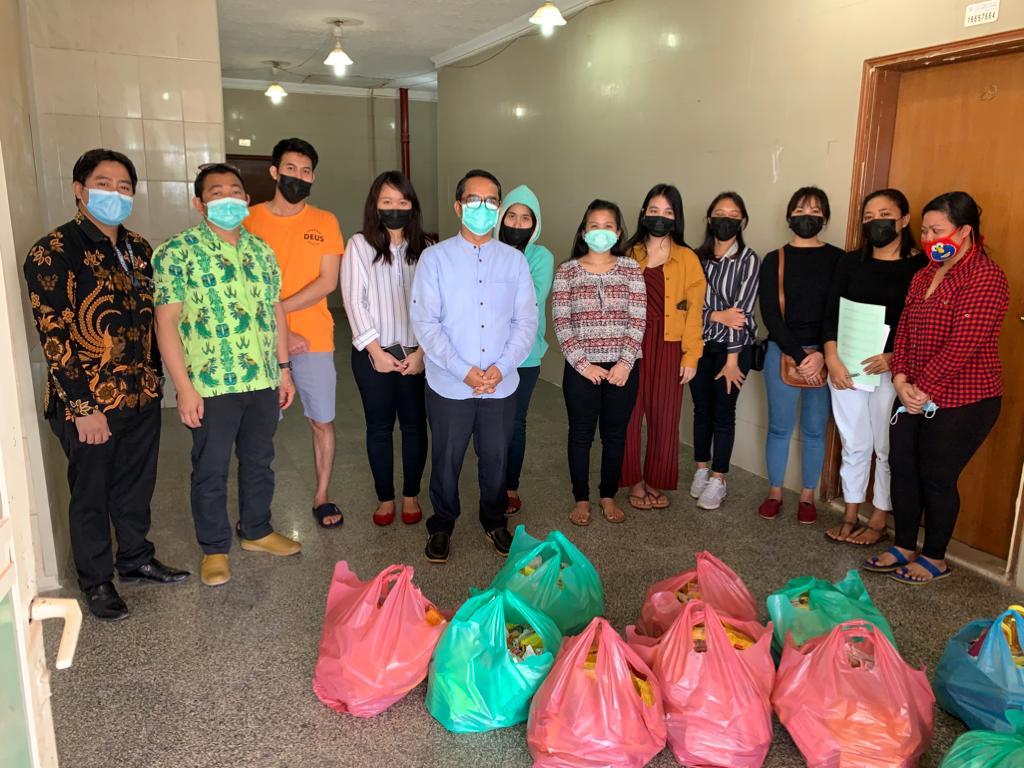 Bantuan Sembako Bagi WNI di Kuwait