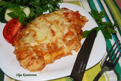 Куриная грудка в панировке с сыром на сковороде