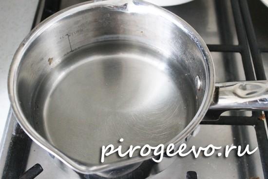 Готовим водяную баню для приготовления сыра