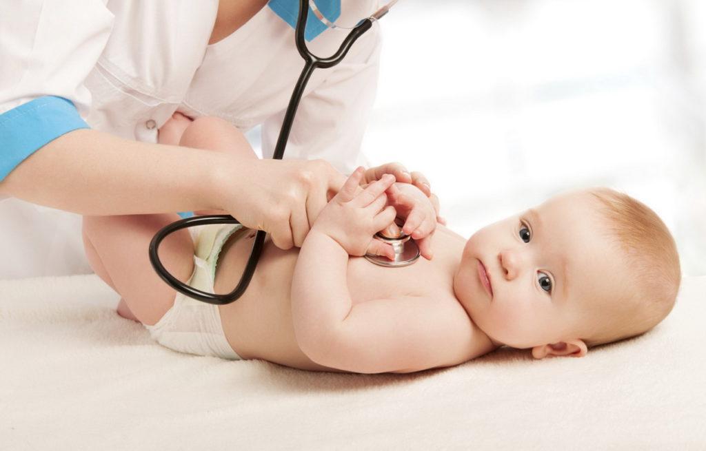Каких врачей надо пройти в месяц новорожденному