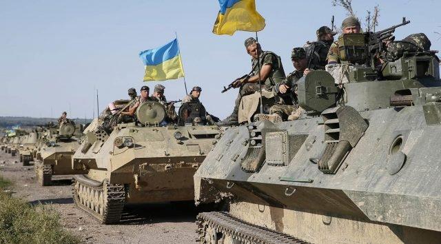 На Украине рассказали какое именно вооружение отвели от линии соприкосновения на Донбассе