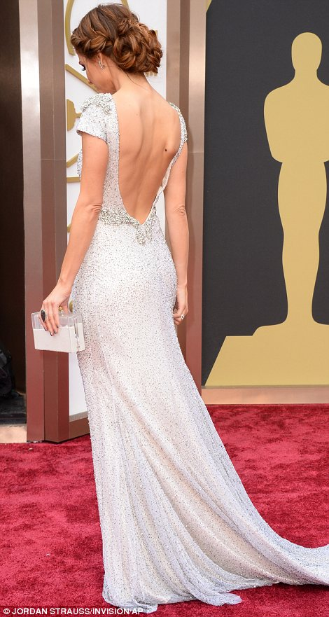Greek goddess: Maria Menounos looked absolutely beautiful in her embellished backless white gown