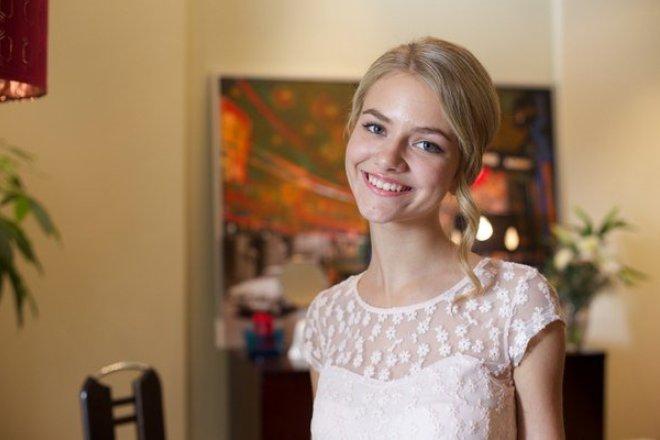 Елизавета Кононова на съемках сериала «Легко ли быть молодым?»
