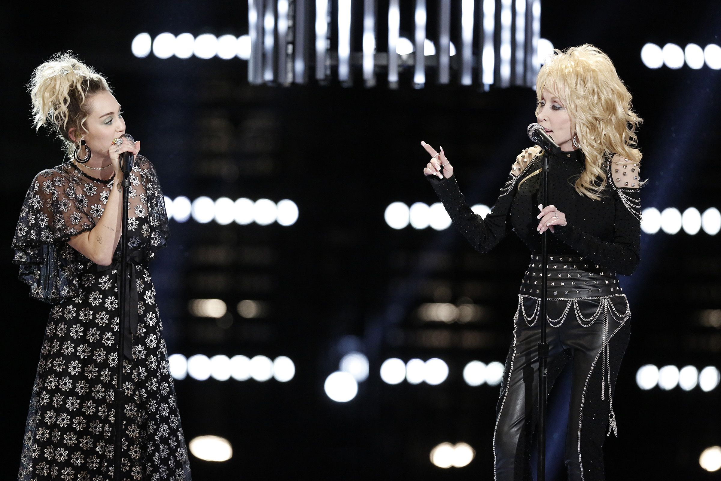 Is dolly parton related to billy ray cyrus