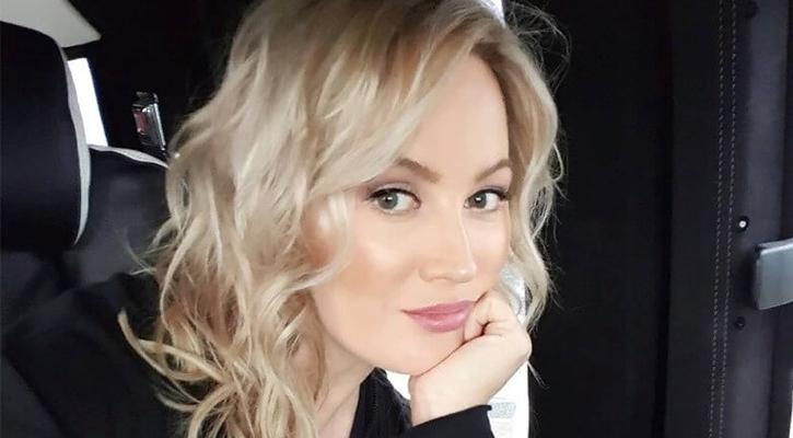 Жена Стас Михайлов с красивой прической
