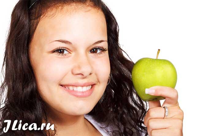 Маска для лица от морщин из яблока