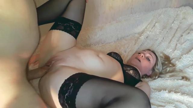 Порно первый минет онлайн