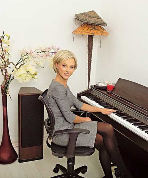 Елена Винник за пианино