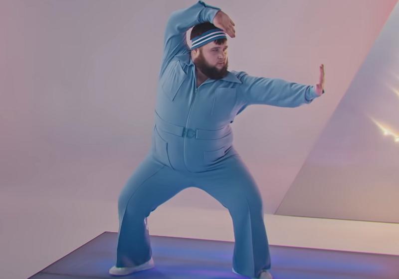 Танцора в голубом назвали главным мемом клипа Little Big для «Евровидения»