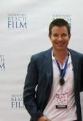 В главной роли Актер, Сценарист, Продюсер Алан Кинг, фильмографию смотреть онлайн.