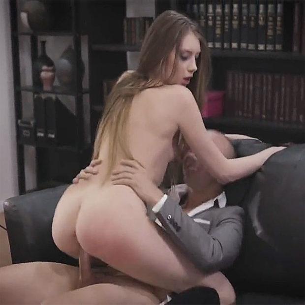 Секс на работе онлайн