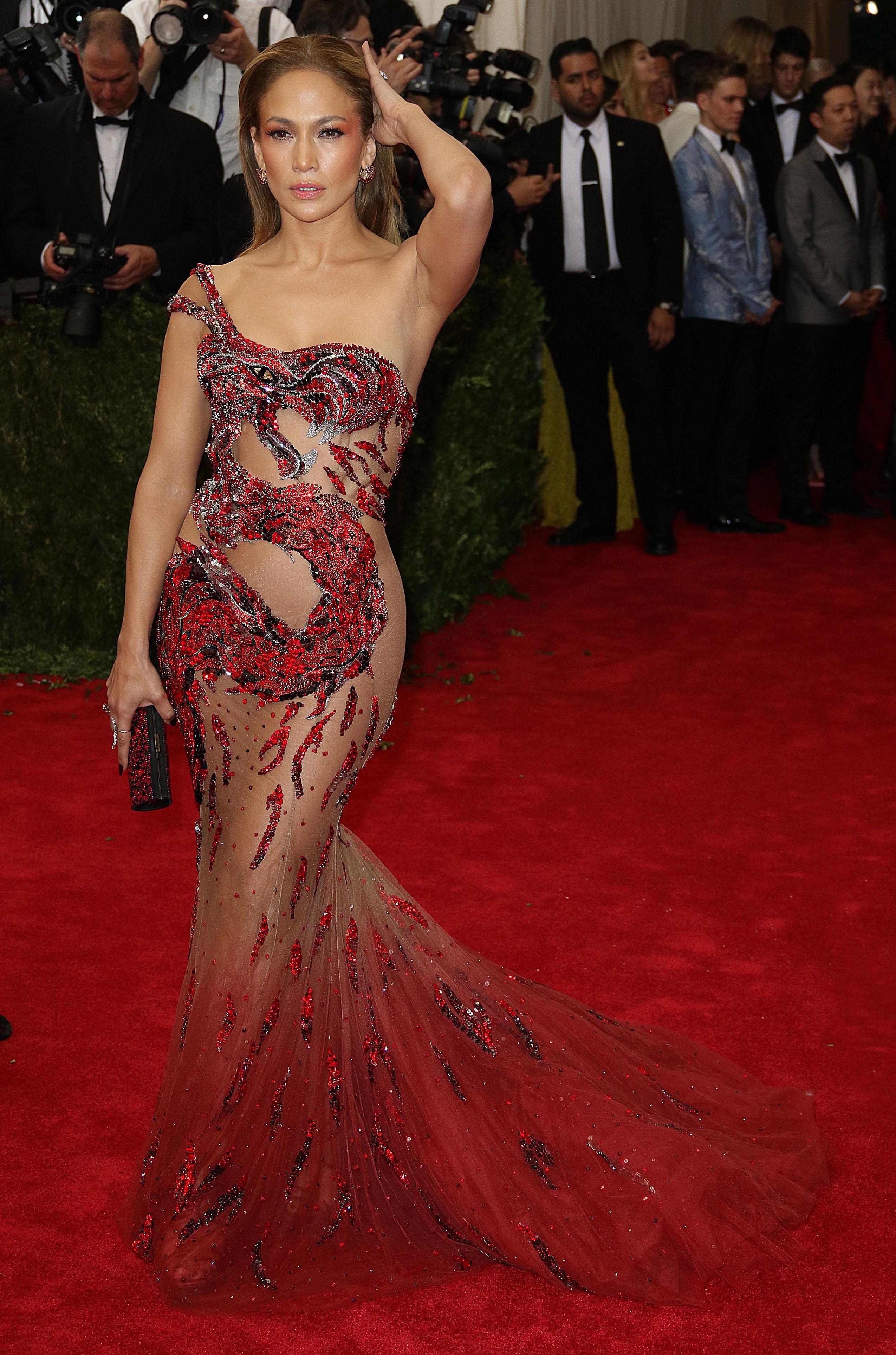 Celebrities see-thru dresses