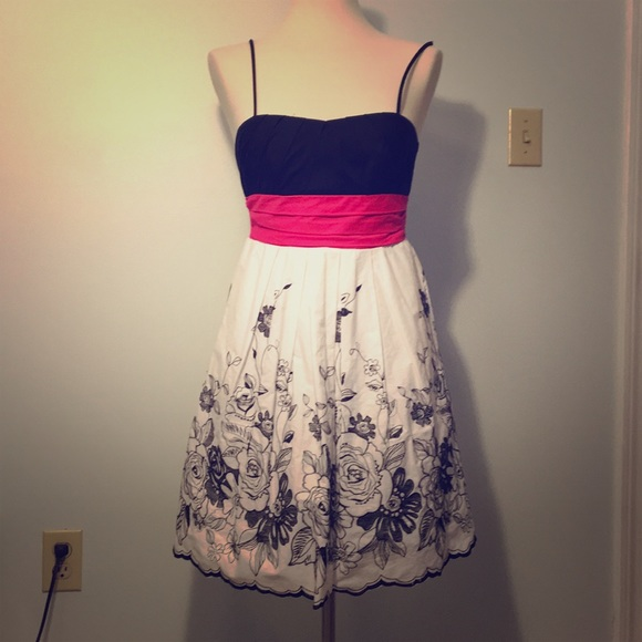 Black and white dress with pink bow