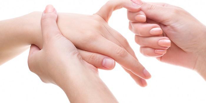 Толстые пальцы рук