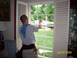 Mike's Window Cleaning and Gutter Service - window washer cleaning window