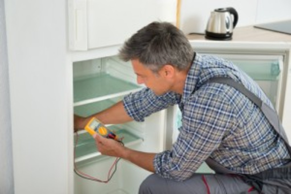 Atlas Appliance Repairs - Fixing a Fridge