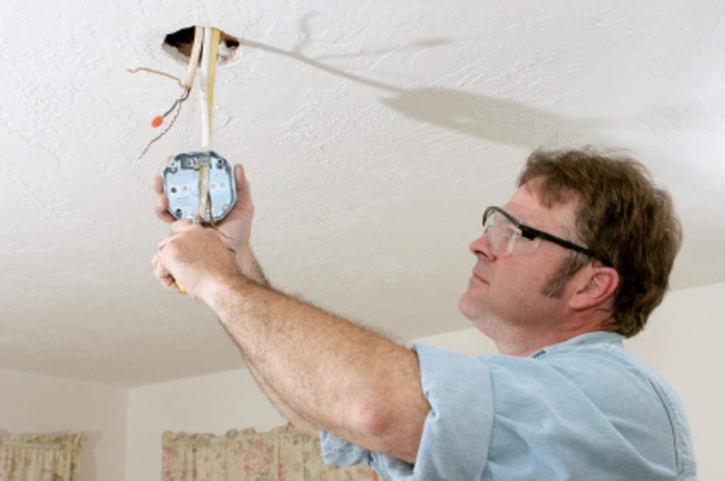 Dynamic Electric - Installing Recessed Lighting