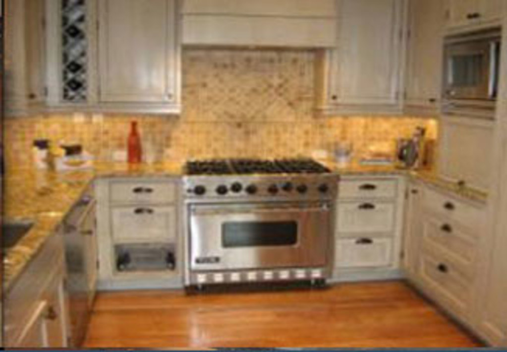 US Appliances Services - Kitchen with Repaired Appliances