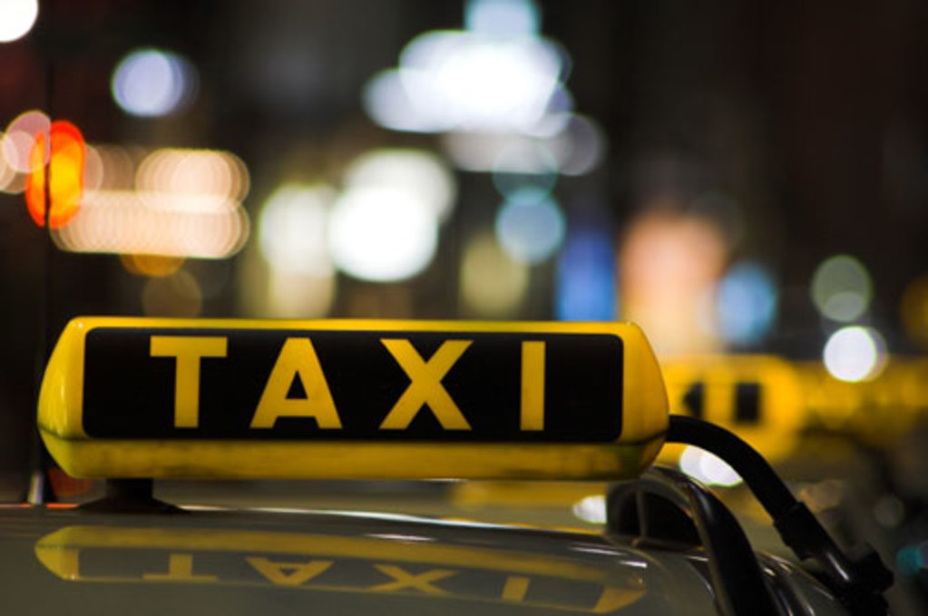 Dulles Taxi and Sedan - Taxi Sign