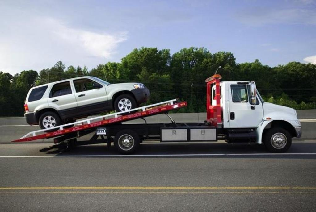 Columbus Towing & Recovery LLC - Flat Bed Towing