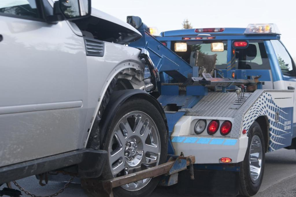 Columbus Towing & Recovery LLC - Towing a Car