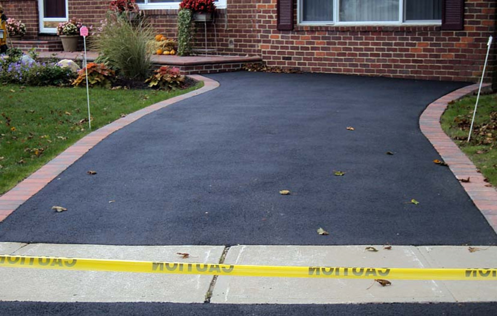 Pacific West Asphalt - Finished Driveway