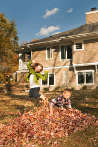 Delaware Junk Removal - Kids playing in leaves