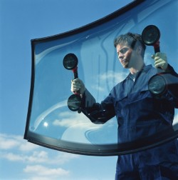 Master Auto Glass Corp. - Replacing a Windshield