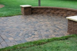 JC Rockland Paving - Brick Retaining Wall