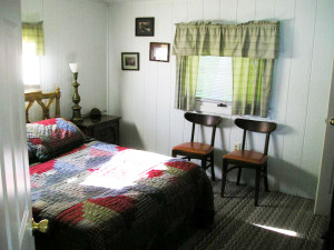 Silver Sands Resort - Cabin Bedroom