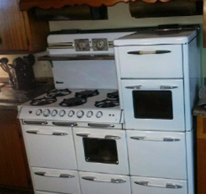 Like Any Appealing Antique, Vintage Kitchen Appliances Get Better With Age.  Not Only Do Units Like A Chambers Stove Or A Wedgewood Stove Increase In  Value ...