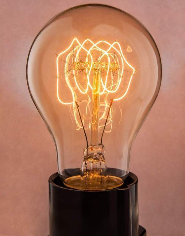 Нить в лампе накаливания