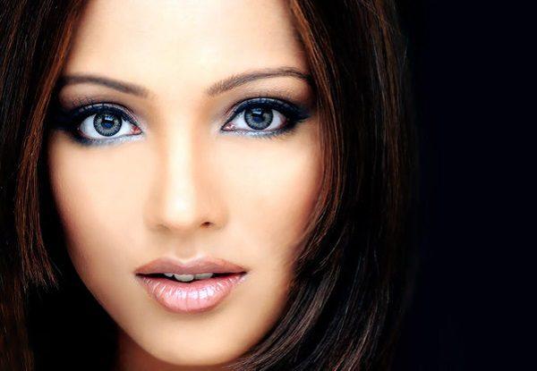 Как с помощью макияжа скрыть