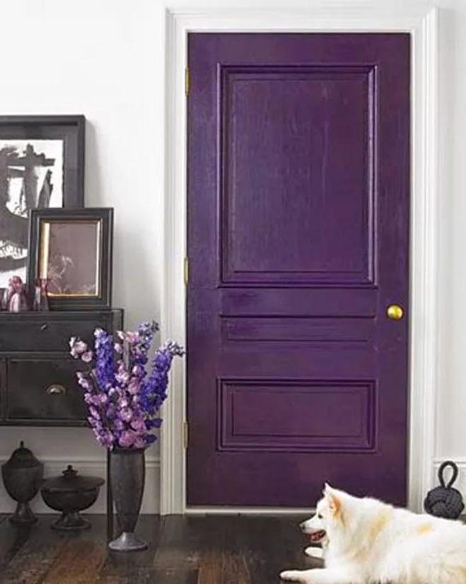 Чем можно покрасить деревянные двери