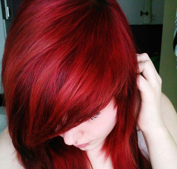 Цвет волос - красная ночь
