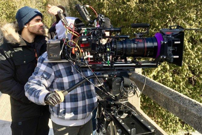 Пол Уэсли на съемках сериала «Сумеречные охотники»
