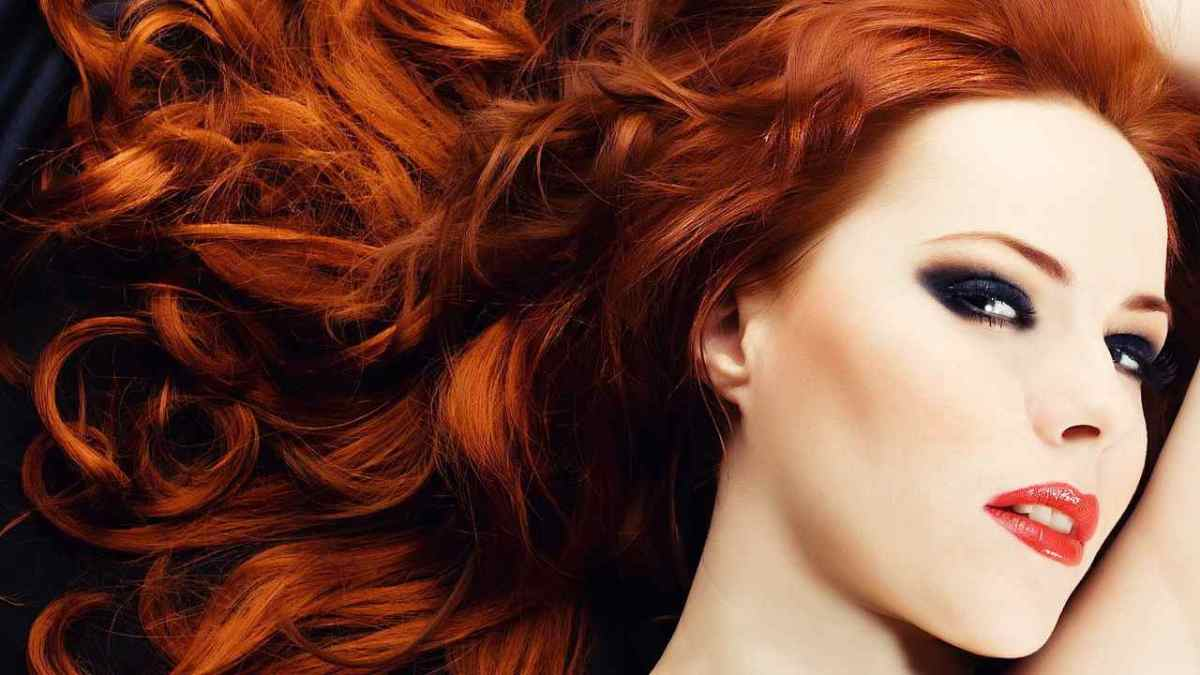 Debra messing natural hair color