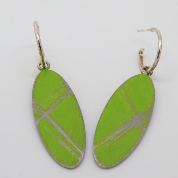Hanging oval hoop earrings