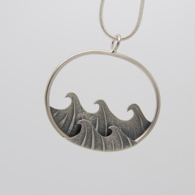 small oval wave pendant