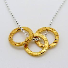 3 gold circles