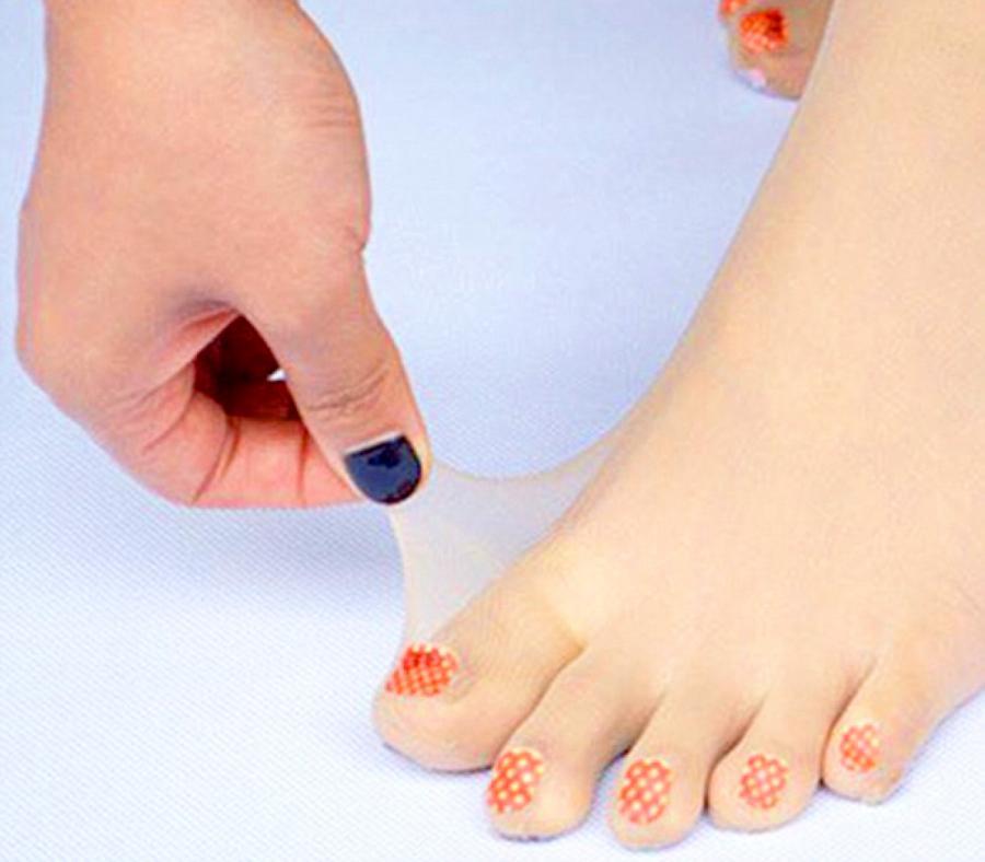 Painted toenails pictures