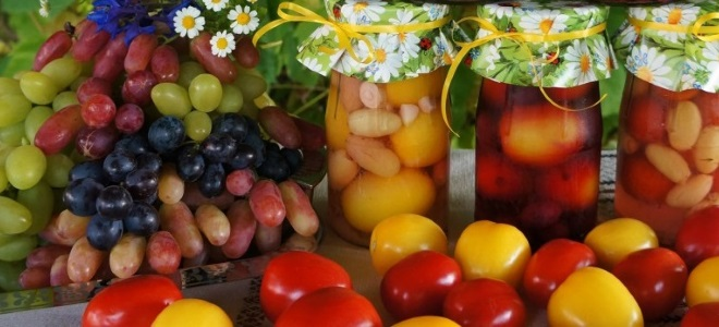 Помидоры с виноградом без уксуса на зиму рецепт