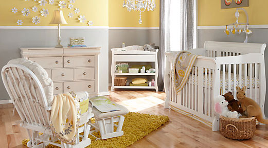 Stork Craft Nursery Set including chest set and rocker & glider
