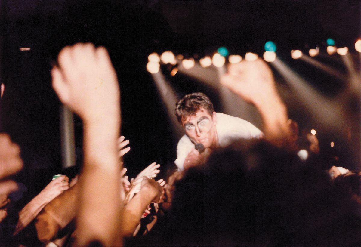 Музыкальные фанаты собрали более 6000 редких и уникальных концертных фотографий 2