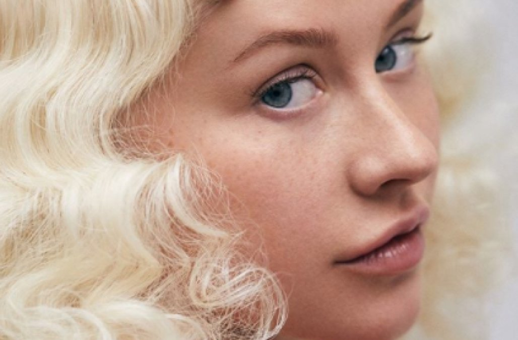Christina aguilera new photos