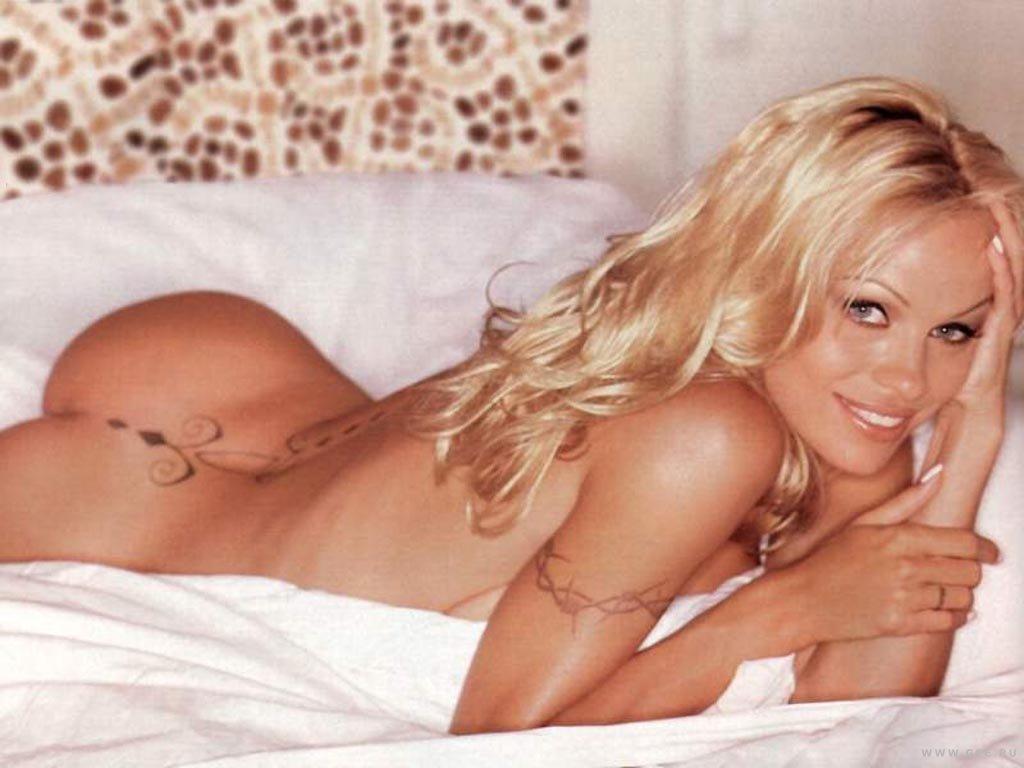 Pamela Anderson Naked 81
