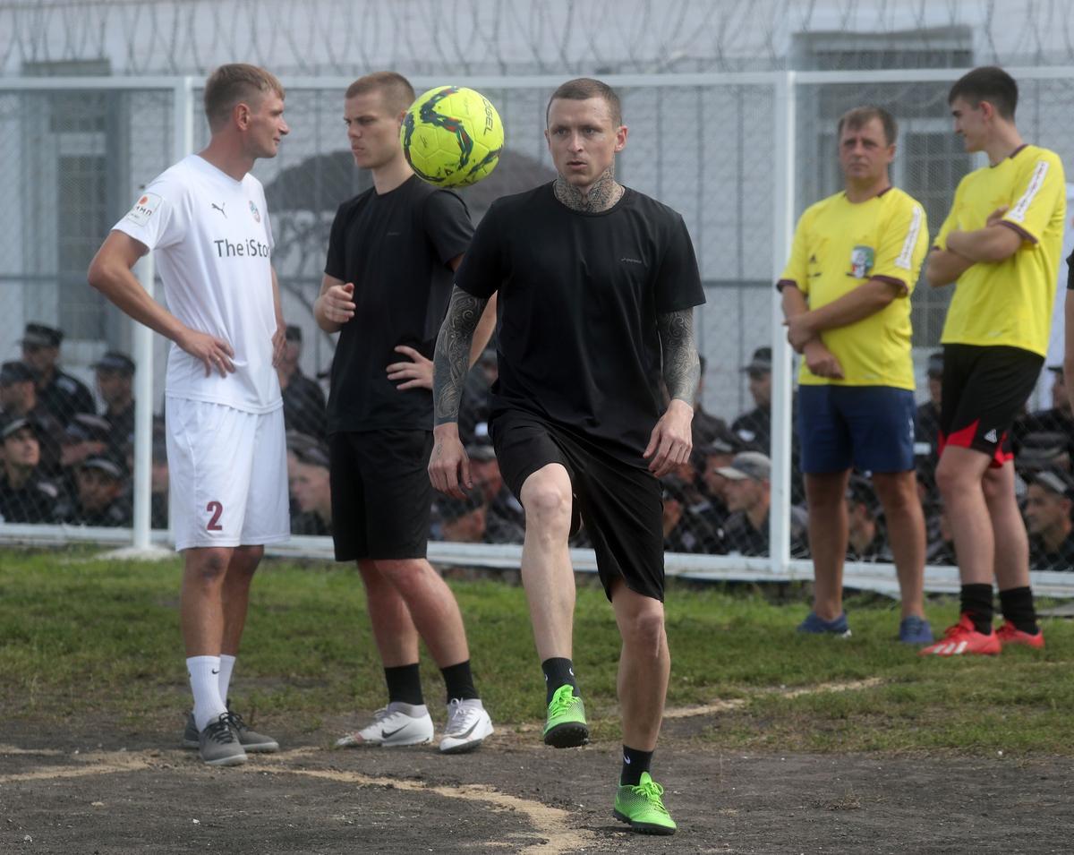 Футбол и работа: как живут Мамаев и Кокорин в исправительной колонии
