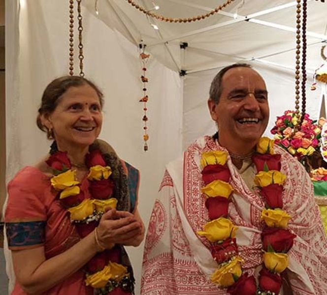 HG Pyari Mohan dasa and Jivanausadhi devi dasi