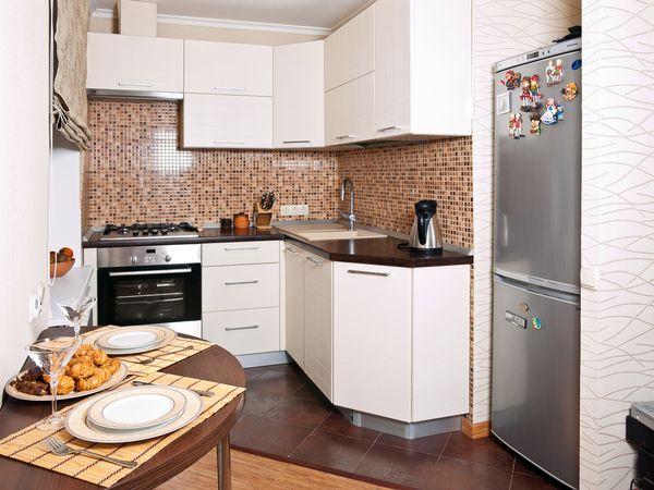 как правильно обставить маленькую кухню